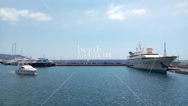 breakwaterberthforyacht