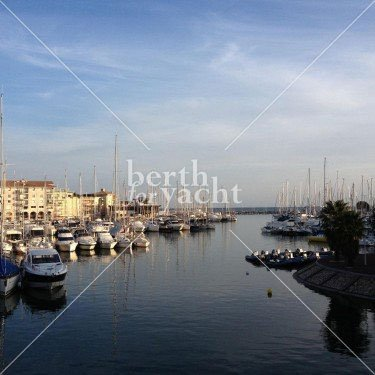 Marina Yacht berths and Moorings for sale in Port Fréjus